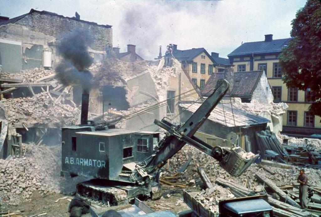 1938_regi_hazak_bontasa_gozgeppel_stockholmban.jpeg