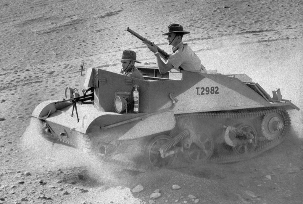 1941_januar_one_of_the_bren_gun_carriers_used_by_australian_light_horse_troops_in_northern_africa.jpg