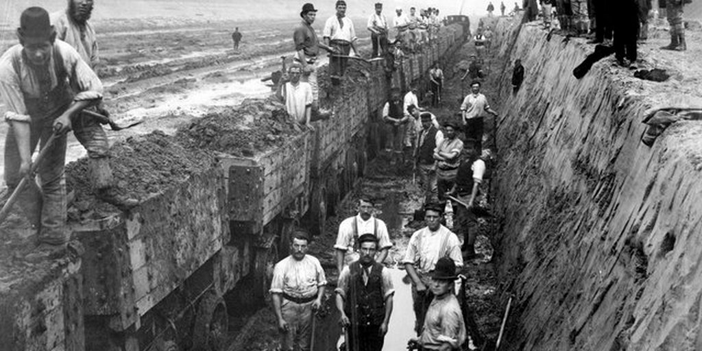 1893_navvies_cut_the_manchester_to_liverpool_ship_canal.jpg