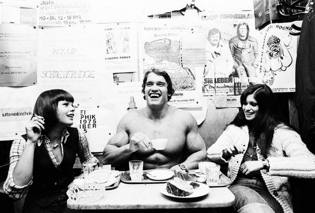 1975_arnold_schwarzenegger_at_cafe_hawelka_in_vienna.jpg