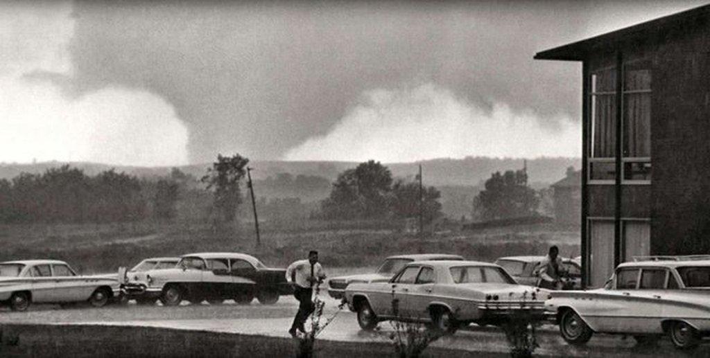 1966_topeka_kansas_f5_tornado_june_8.jpg