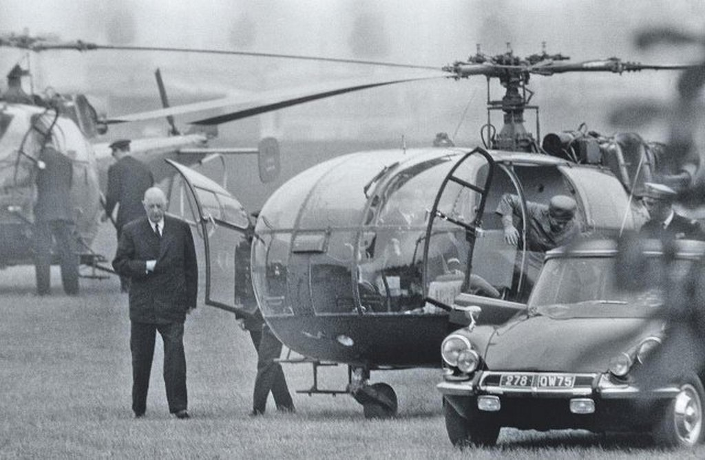 1968_french_president_charles_de_gaulle_returns_from_west_germany_after_fleeing_paris_by_helicopter_during_the_may_1968_protests.jpg