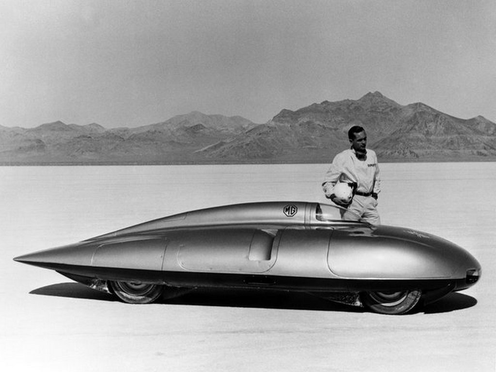 1957_auto_racing_icon_stirling_moss_and_the_mg_ex-181_at_the_bonneville_salt_flats.jpg