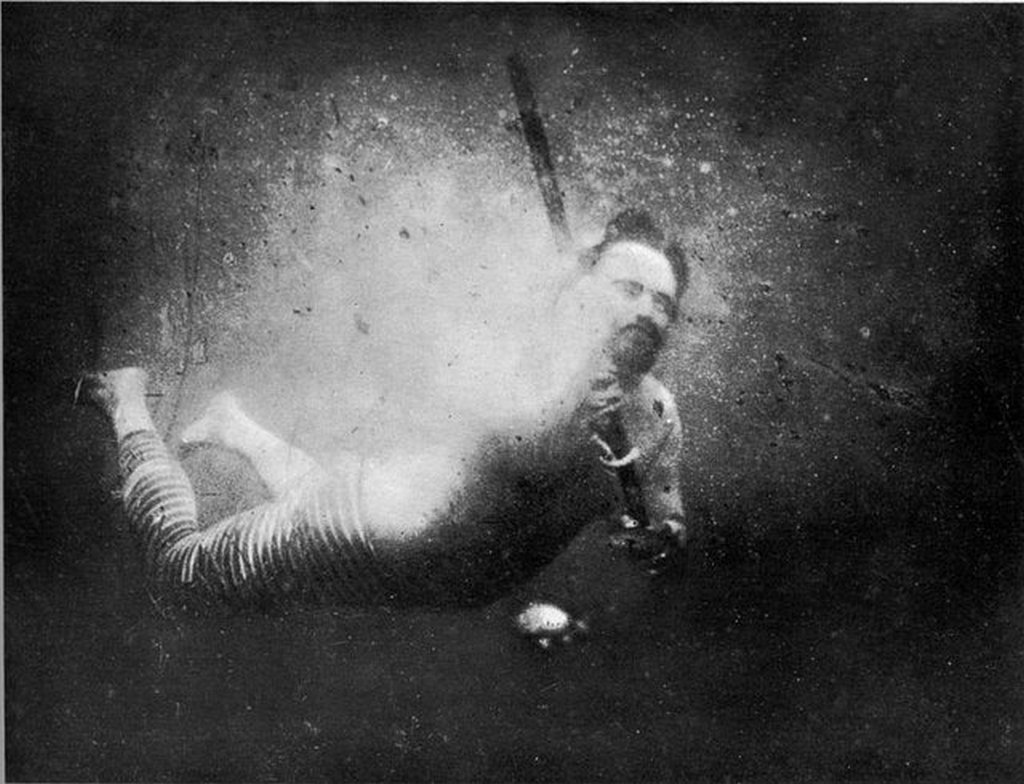 1893_the_first_underwater_selfie_by_louis_boutan.jpg