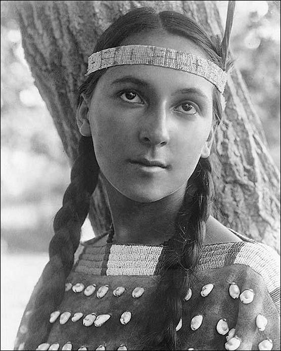 1907_lucille_a_dakota_sioux_woman.jpg