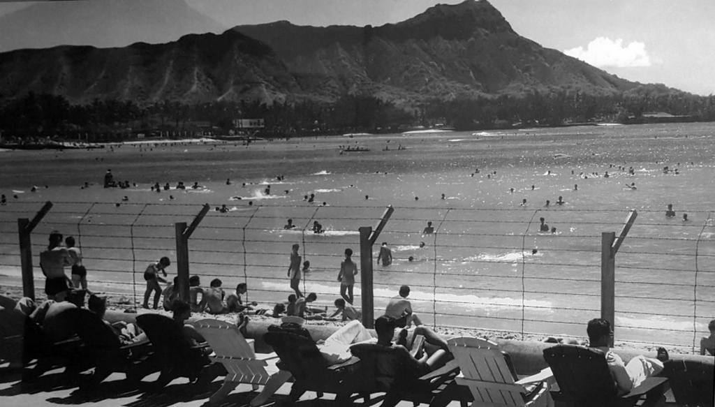 1942_waikiki_beach_on_oahu_hawaii_was_fortified_with_a_barbed-wire_fence_during_world_war_ii_in_the_event_of_an_invasion_by_the_japanese.jpg