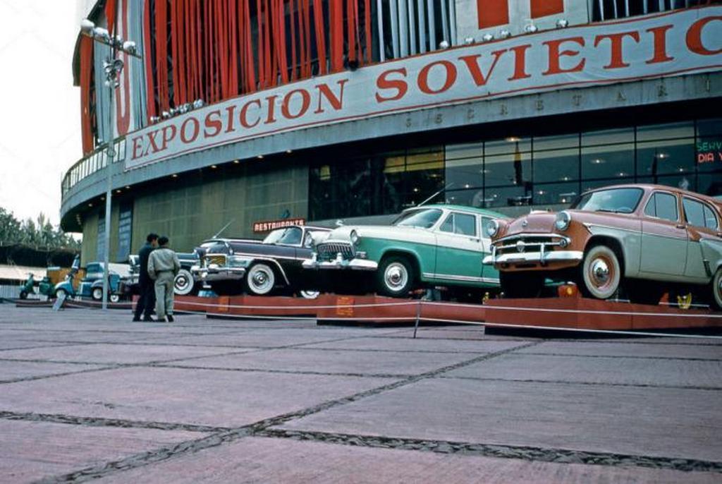 1959_szovjet_autobemutato_mexikovaros.jpeg