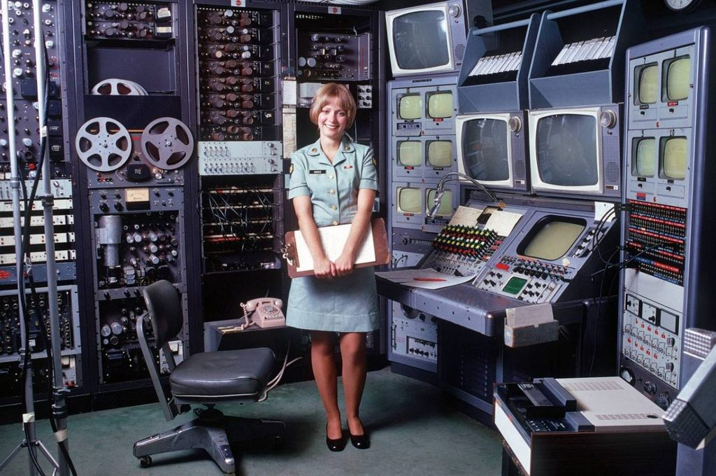 1965_korul_u_s_air_force_video_editing_suite.jpg