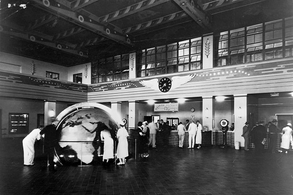 1940_pan_am_s_terminal_at_dinner_key_miami_fl.jpg