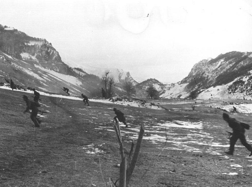 1944_jugoszlav_partizanok_rohama_montenegroban.jpg