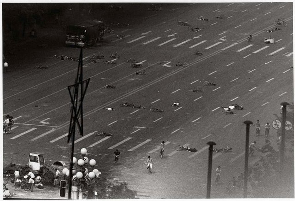 1989_junius_4_the_aftermath_of_the_tiananmen_square_massacre.jpg