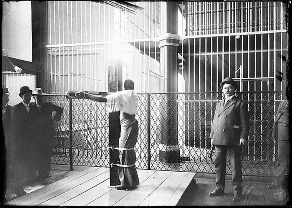 1910_korul_the_whipping_post_in_the_baltimore_city_jail.jpg