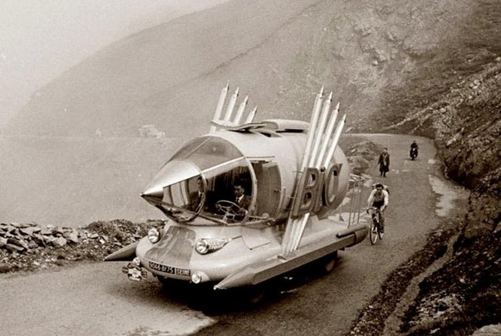 1953_a_pen-themed_automobile_built_to_advertise_bic_pens_during_the_tour_de_france.jpg