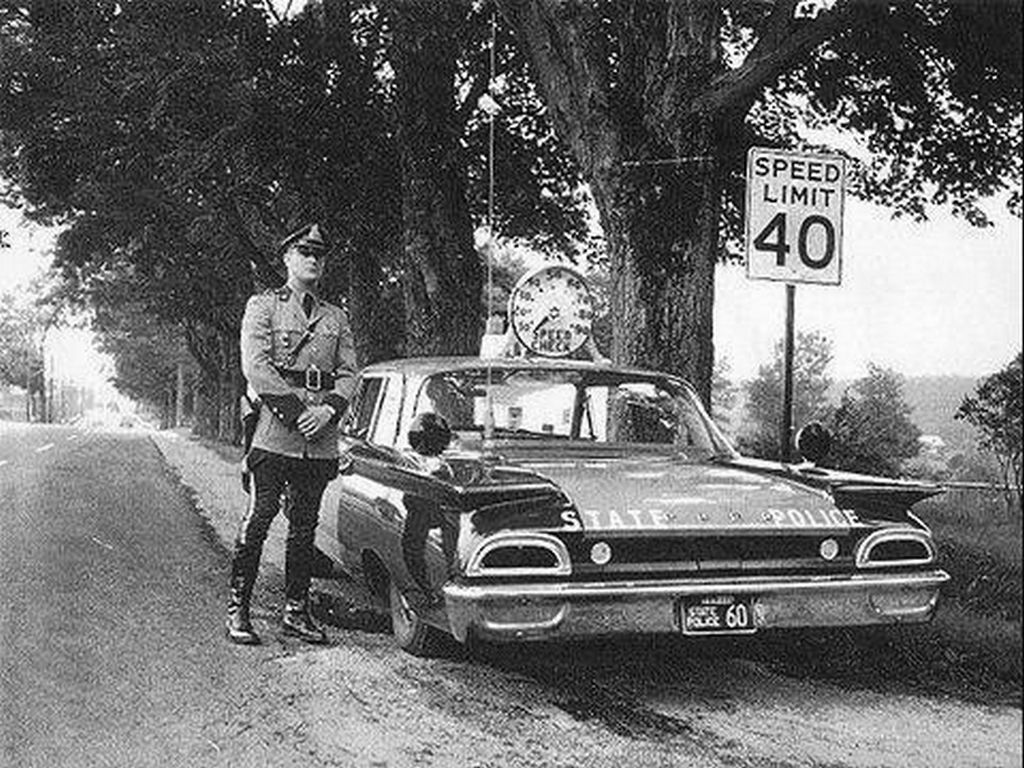 1960_sebessegellenorzes_massachusettsben_usa_boston_state_police_car.jpg