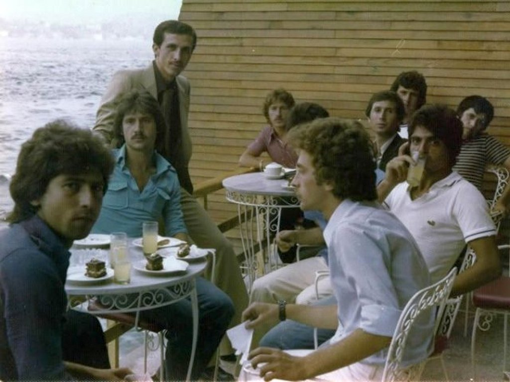1970_turkish_president_erdogan_with_his_friends_at_bosphorus.jpg