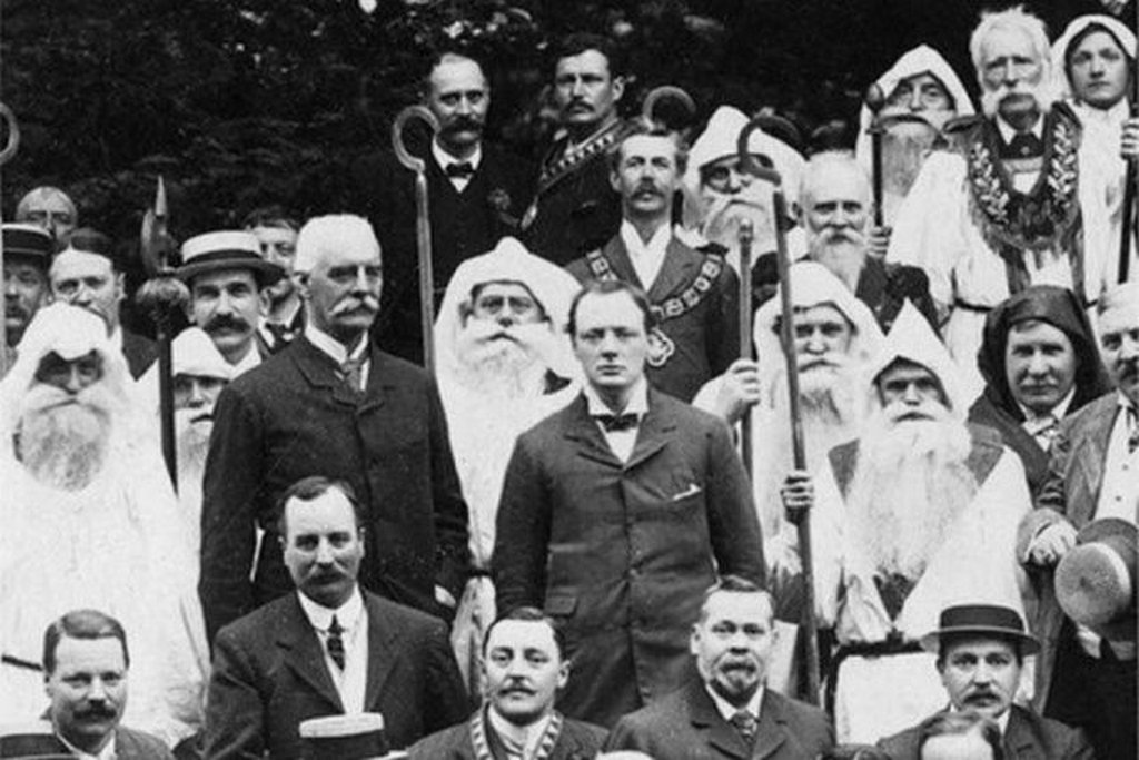 1908_winston_churchill_and_the_druids.jpg