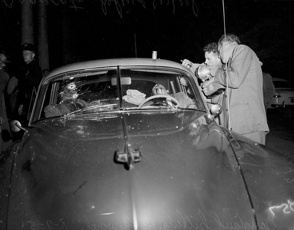 1951_the_two_tony_s_ambushed_and_shot_to_death_by_a_mafia_hit_squad_los_angeles_california.jpg