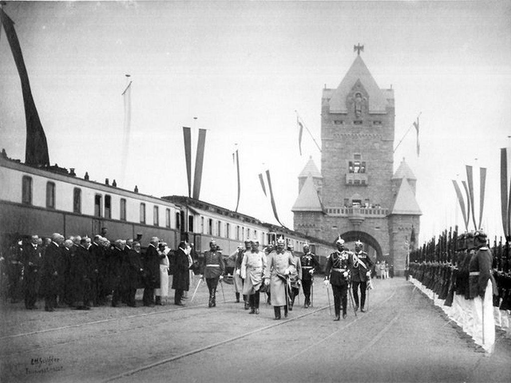 1904_majus_1_opening_of_the_kaiserbrucke_bridge_between_mainz_and_wiesbaden.jpg