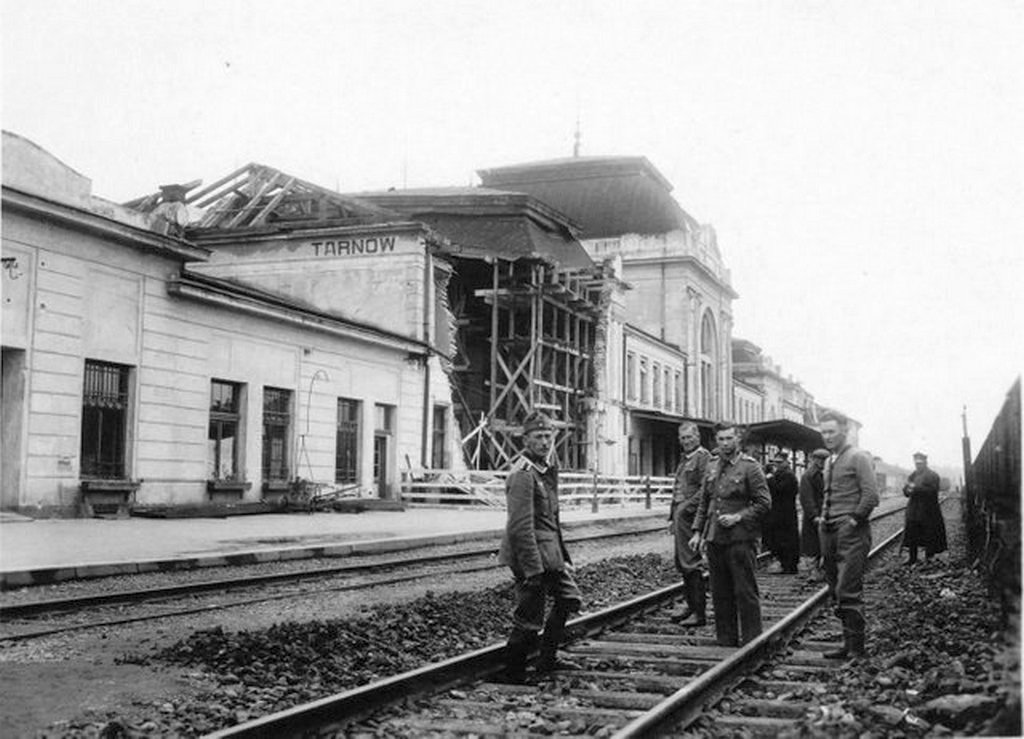 1939_a_destroyed_part_of_a_train_station_tarnow_poland_after_a_german_spy_planted_an_explosive_3_days_before_world_war_2_began_killing_20_people_nearby.jpg