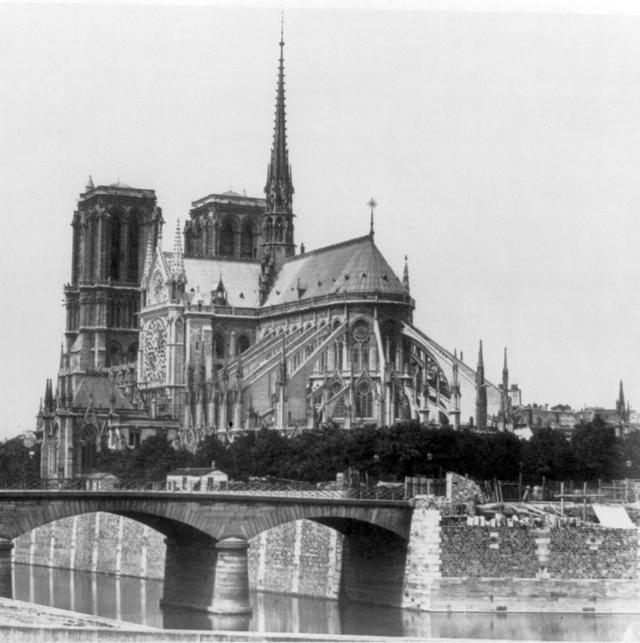 1860_korul_a_parizsi_notre_dame.png