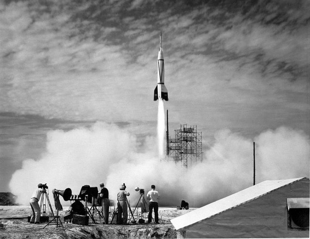 1950_bumper_8_a_modified_v-2_rocket_and_the_first_rocket_launched_from_cape_canaveral_florida_on_july_24.jpg
