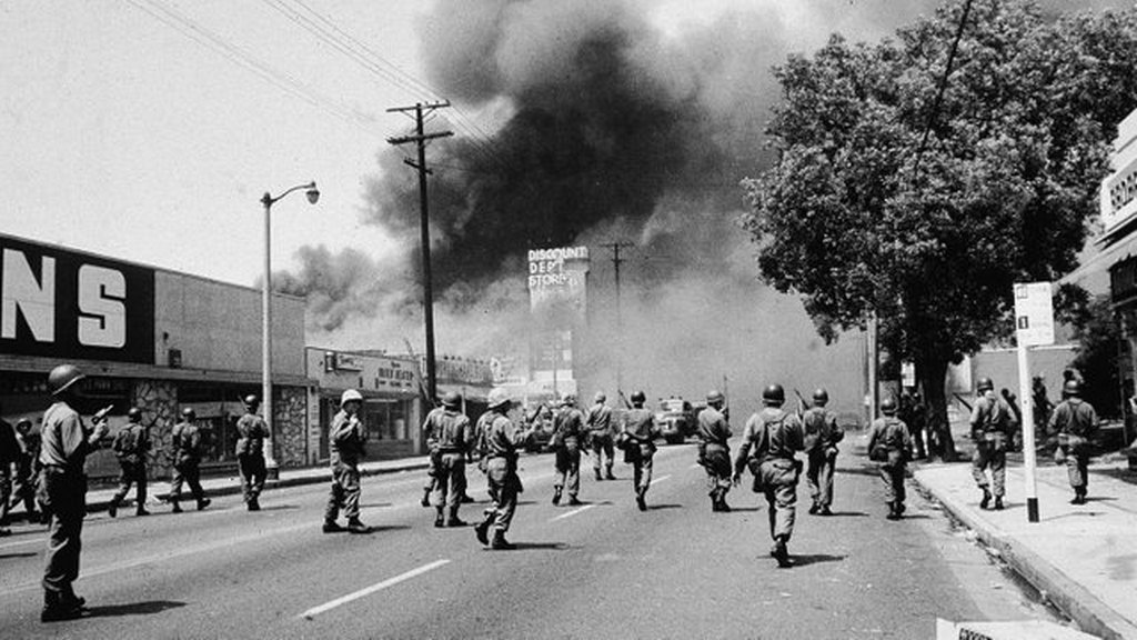 1965_augusztus_national_guardsmen_marching_through_watts_los_angeles_during_the_riot.jpg