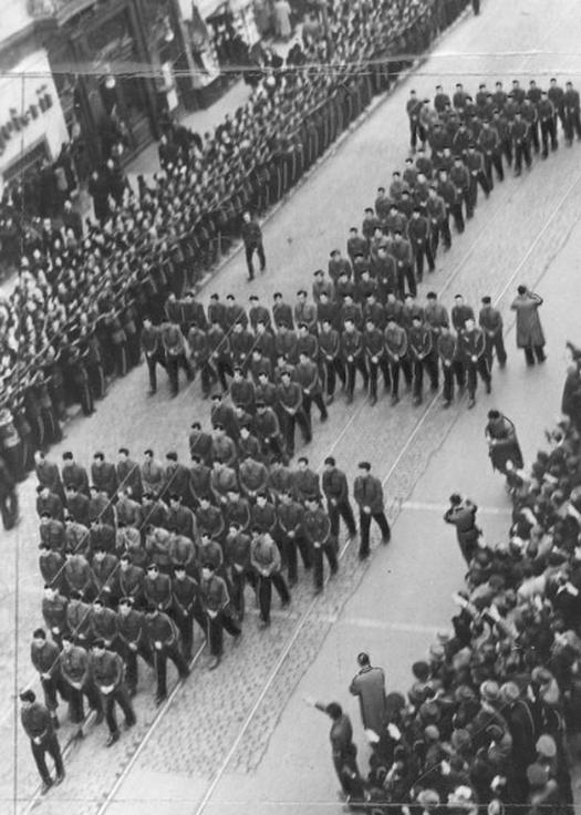 1938_the_funeral_procession_of_romanian_legionary_leader_corneliu_zelea_codreanu.jpg