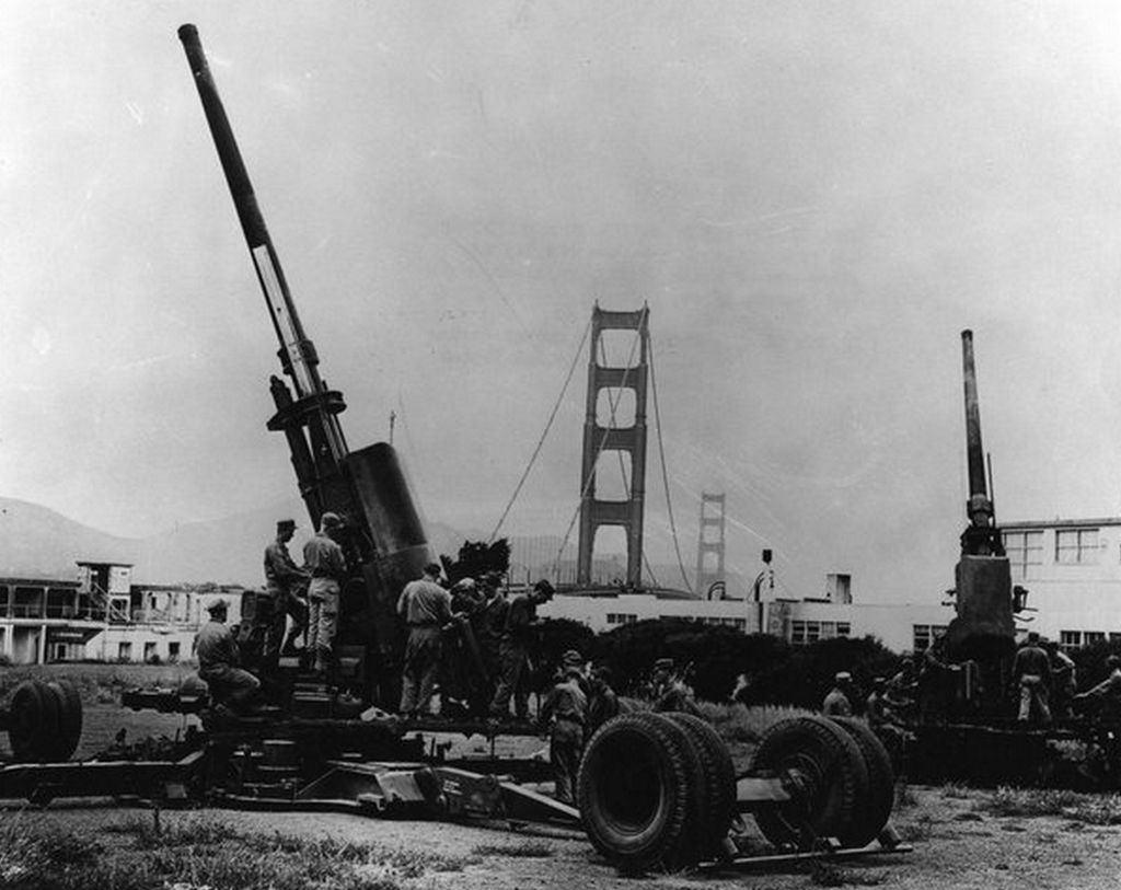 1955_korul_120mm_m1_stratosphere_guns_protect_the_golden_gate_bridge_during_the_early_cold_war_cr.png