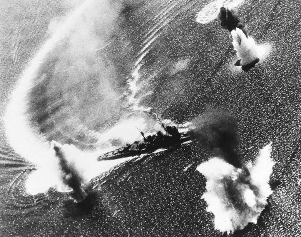 1944_november_5_japanese_cruiser_nachi_maneuvering_under_air_attack_in_manila_bay_philippines.jpg
