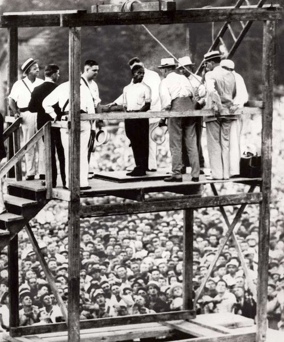 1936_the_last_public_execution_to_take_place_in_the_us.jpg