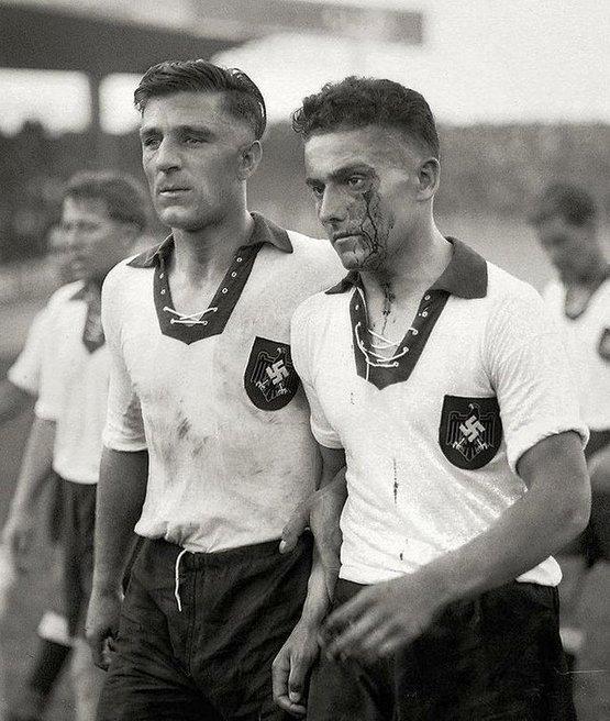 1938_german_national_football_team_in_france_fifa_wc.jpg