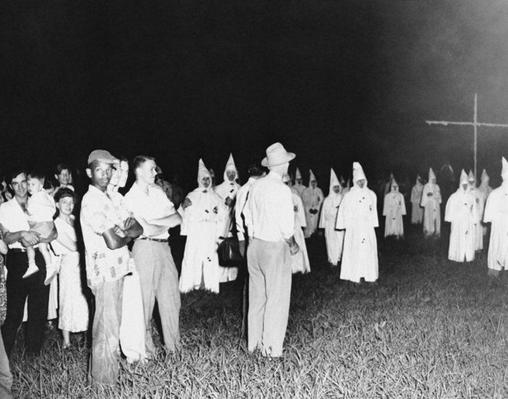 1950_a_lone_black_man_attends_the_kkk_s_first_public_meeting_in_jackson_mississippi_in_15_years.jpg