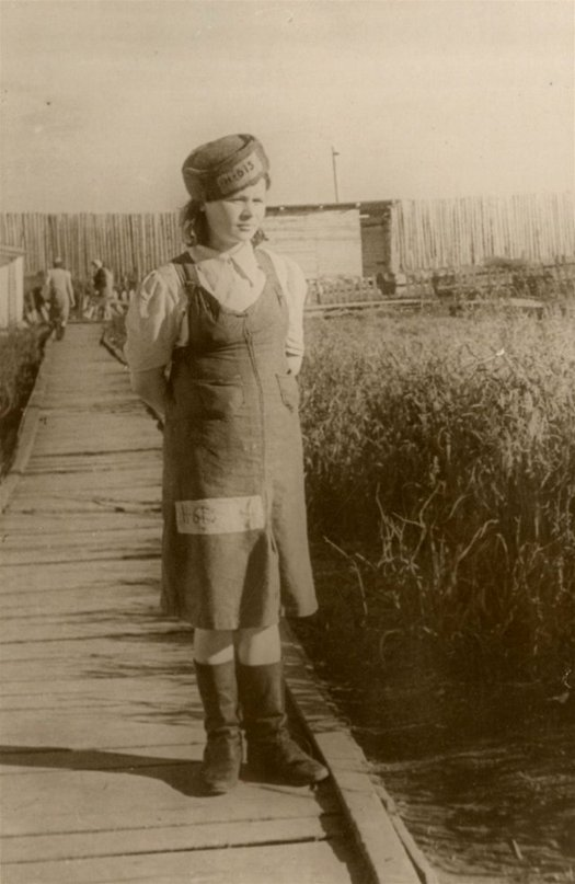 1945_female_gulag_prisoner_vorkuta-pechorsky_camp.jpg