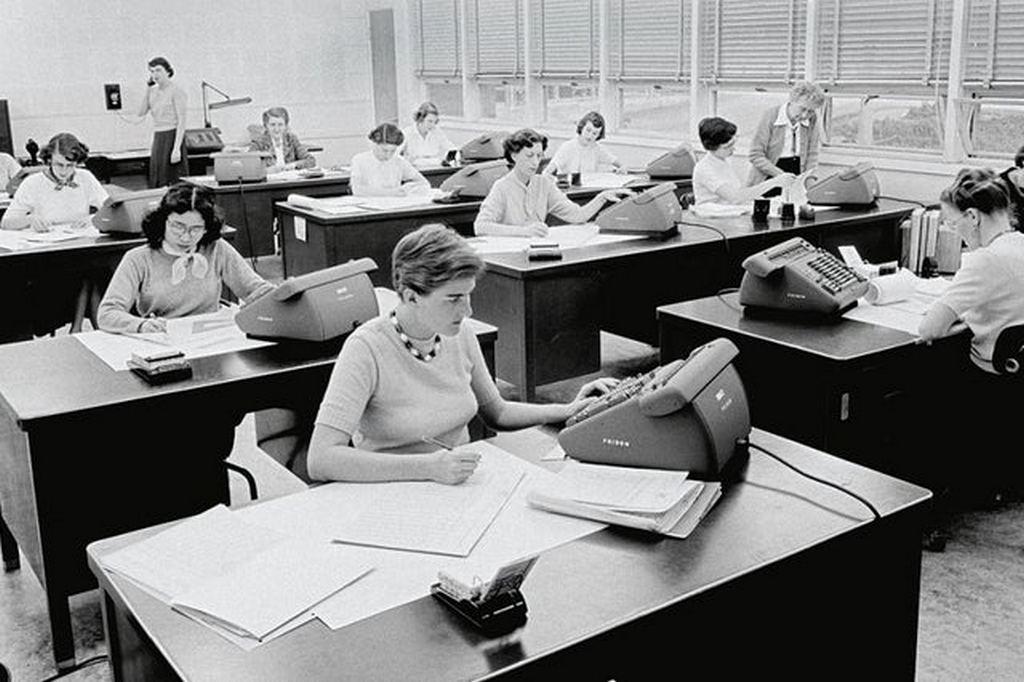 1958_korul_computers_at_work_at_nasa_s_jet_propulsion_laboratory_office_in_pasadena_california.jpg