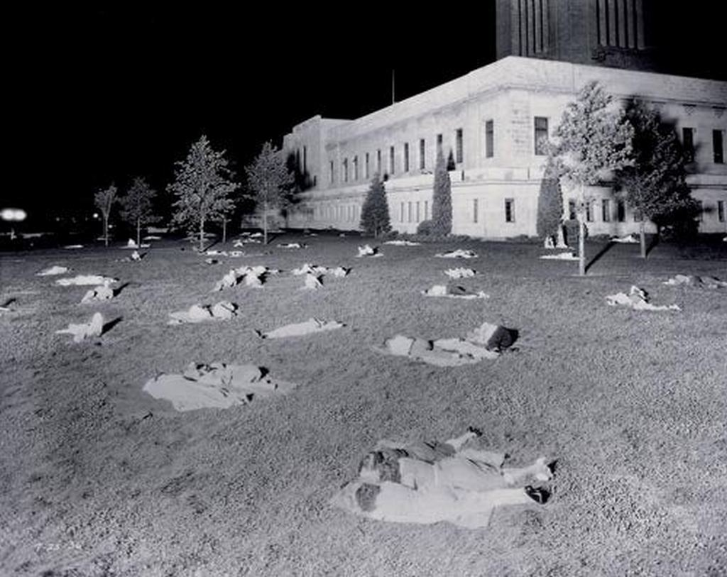 1936_julius_residents_of_lincoln_nebraska_sleep_on_the_lawn_of_the_state_capitol_building_during_the_worst_heat_wave_in_american_history.jpg