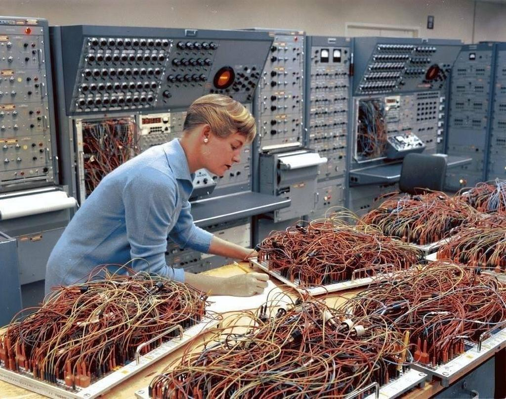 1964_engineer_karen_leadlay_working_on_the_analog_computers_in_the_space_division_of_general_dynamics.jpg