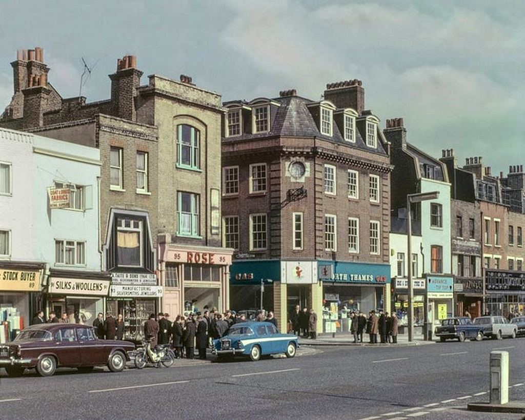 1965_london_s_east_end.jpg