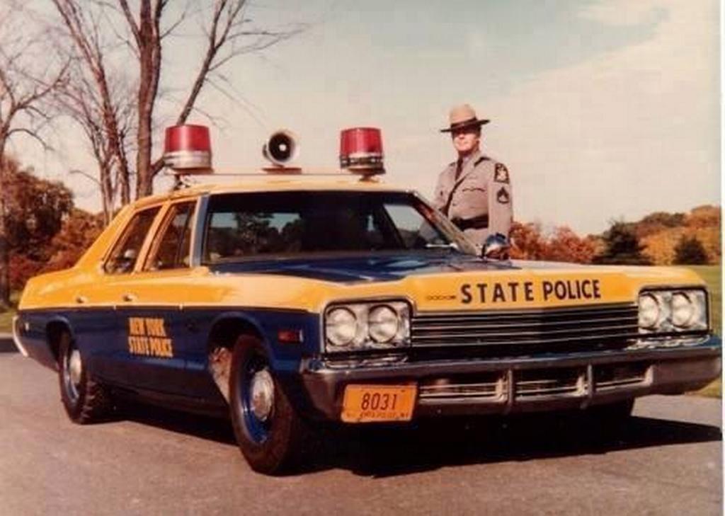 1974_dodge_monaco_ny_state_trooper_car.jpg