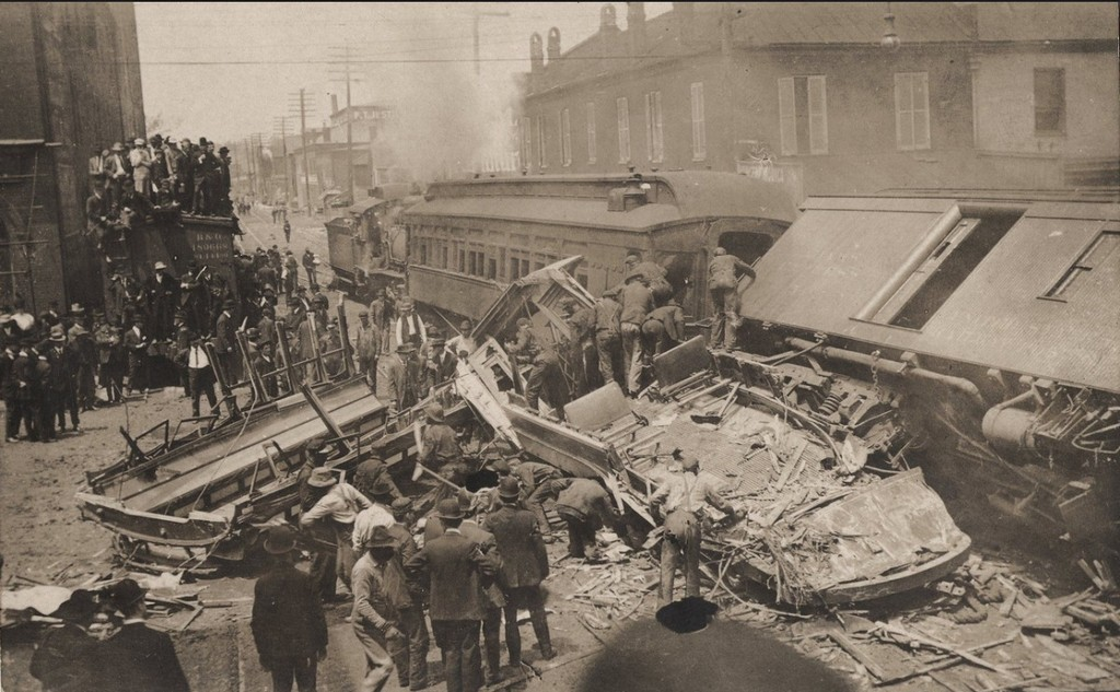 1907_tram_and_train_crash_lexington_kentucky_1.jpg