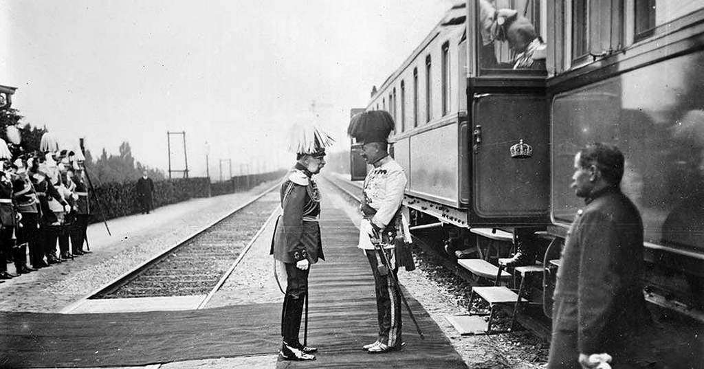 1910_kaiser_wilhelm_ii_of_germany_right_being_greeted_by_emperor_franz_joseph_i_of_austria_left_on_his_arrival_in_vienna.jpg