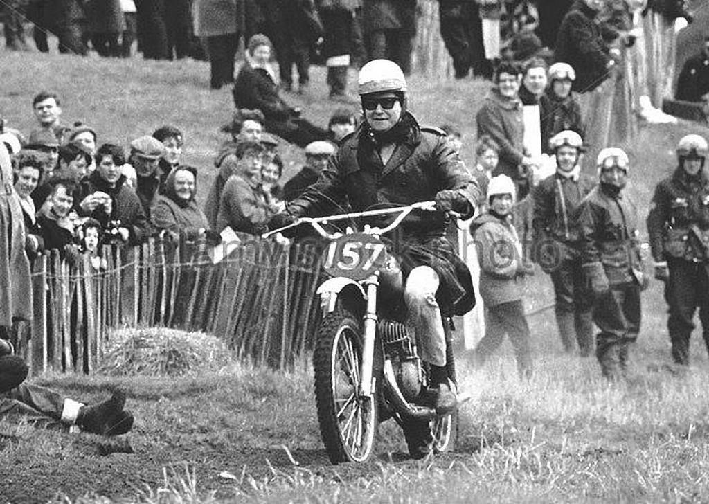 1966_roy_orbison_scrambling_at_hawkstone_park_moto_circuit_shrpshire_england.jpg