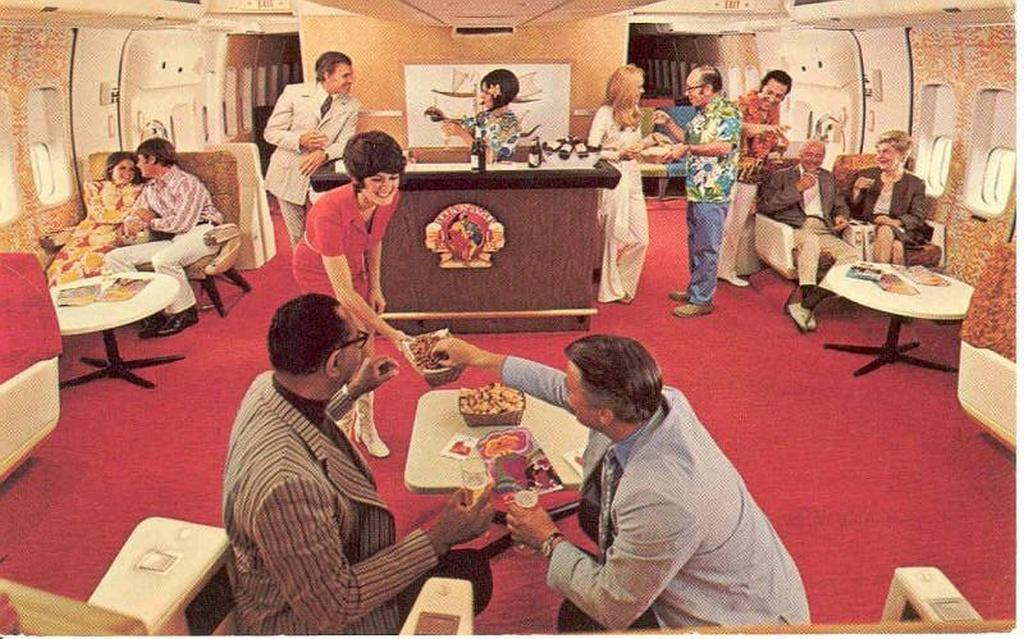 1970-es_evek_cocktails_snacks_in_the_coach_lounge_of_a_continental_airline_747.jpg