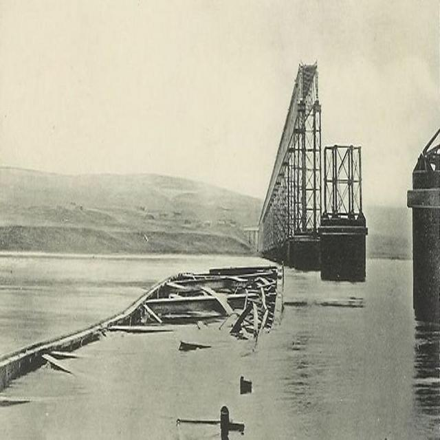 1879_december_28_the_collapsed_tay_bridge_dundee_scotland_shortly_after_the_collapse.jpg