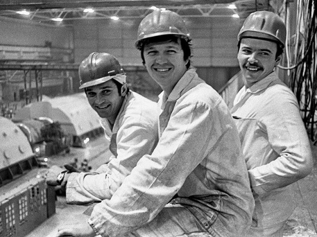 1982_oleksiy_ananenko_valeriy_bespalov_and_boris_baranov_the_three_chernobyl_divers_ukraine_chernobyl.jpg