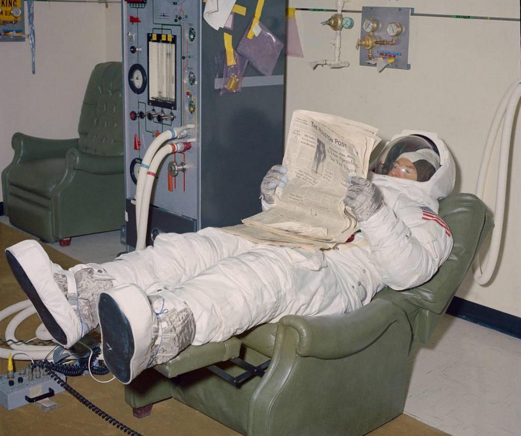 1969_backup_apollo_11_commander_jim_lovell_reading_a_newspaper_cr.jpg
