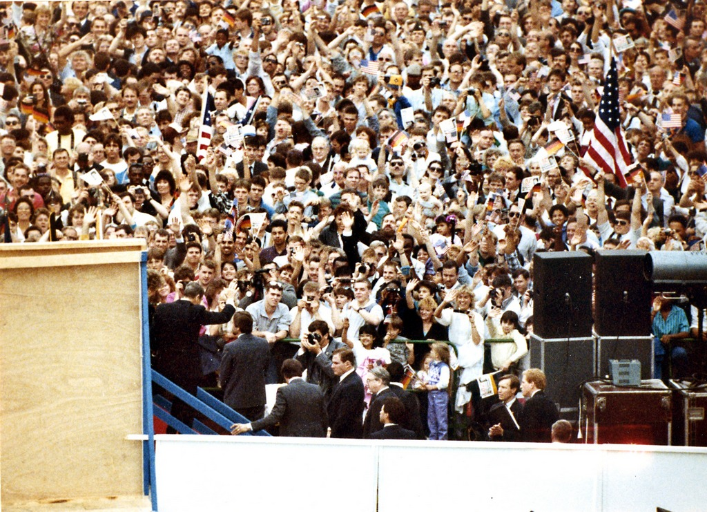 1987_berlin_crowd_cheering_for_president_reagan_after_his_tear_down_this_wall_speech_photographed_by_the_east_german_stasi_from_the_east_german_side_of_the_wall.jpg