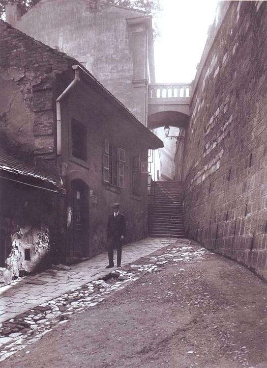 1910_korul_akar_parizs_is_lehetne_de_ez_budapest_i_kerulet_csonak_utca.jpg