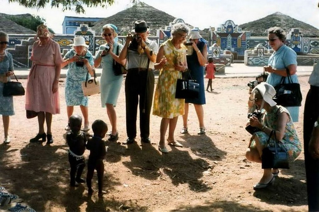 1973_amerikai_turistak_del-afrikaban_az_apartheid_idoszakaban.jpg