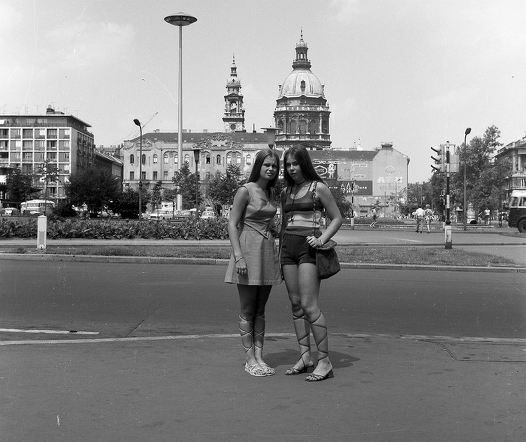 1975_budapest_engels_ter.jpg