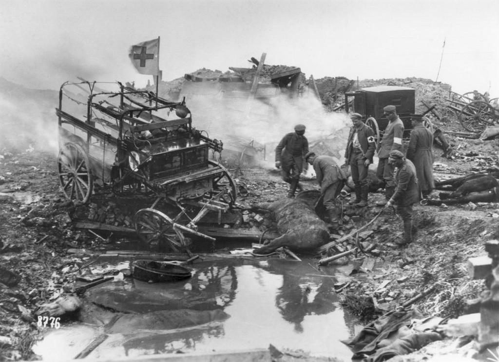 1915_horse-drawn_german_ambulances_suffer_bomb_damage_during_world_war_i.jpeg
